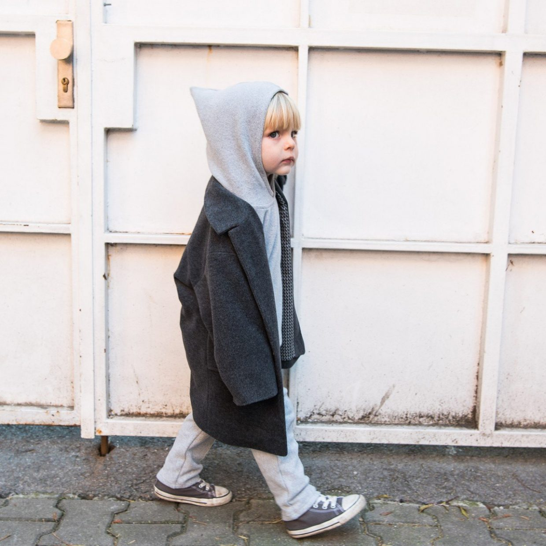 grey fine-knit hoodie