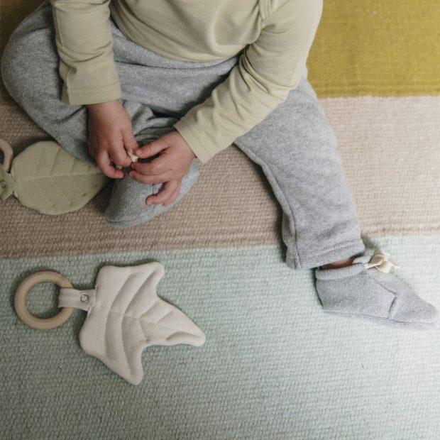 Сив плетен бебешки панталон