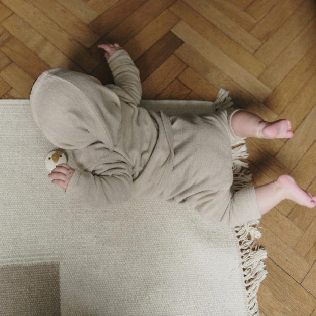 Бежов плетен бебешки панталон