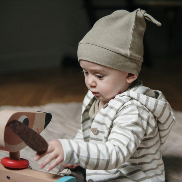 Малка бебешка шапка евкалипт