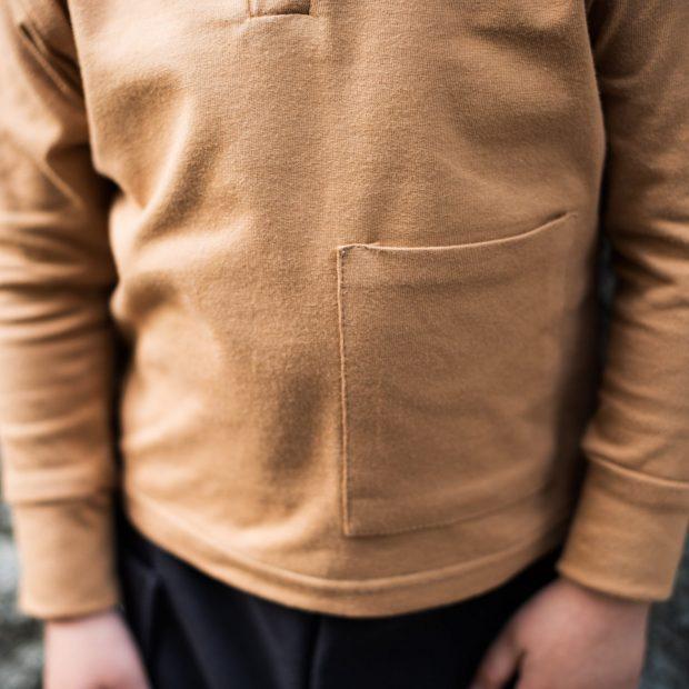 Блуза с джоб охра