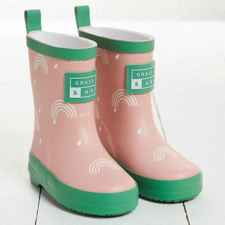 Розови гумени ботуши дъга